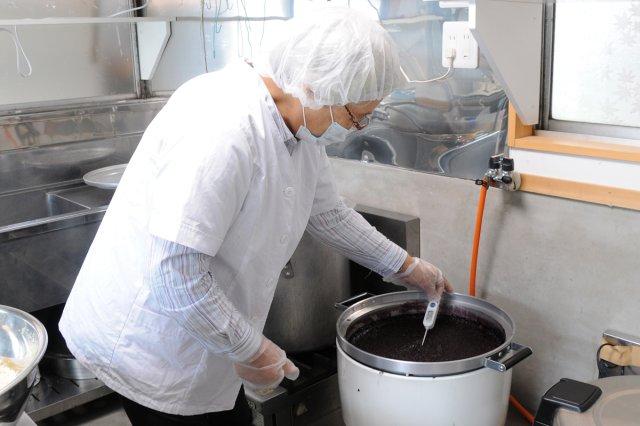 古代米甘酒製造 温度をはかる