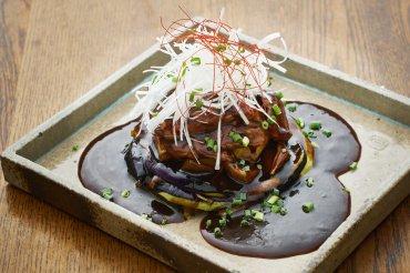 梅山豚の黒酢酢豚