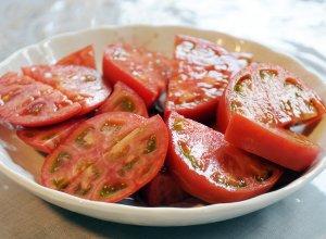 カットしたスーパーフルーツトマト