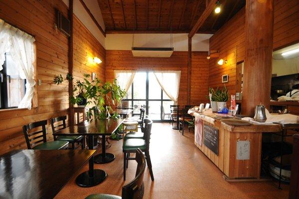 café トゥリー 店内