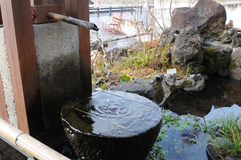 ゆば壱 湧き出る天然水