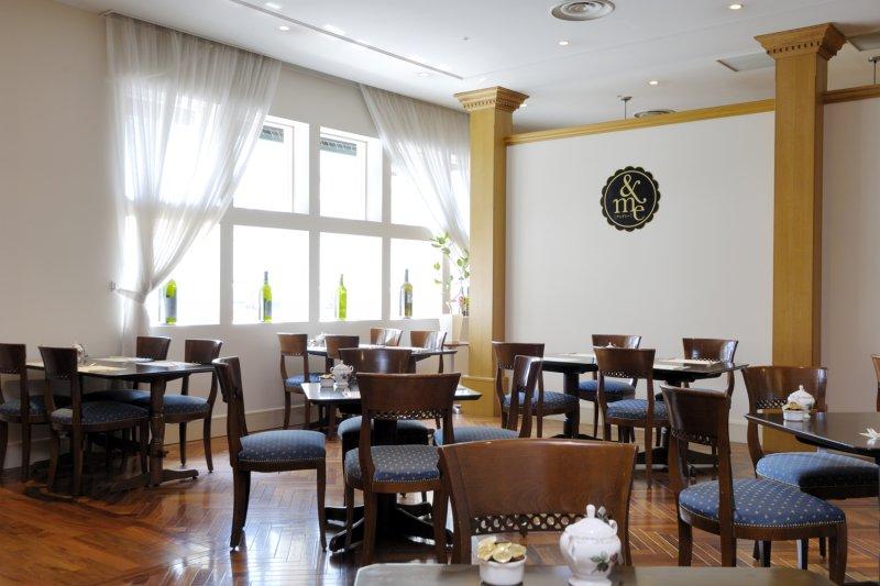レストラン&me 内観2