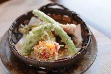 茨城野菜の天婦羅と海老しんじょう揚げ