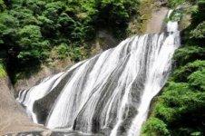 初夏の袋田の滝